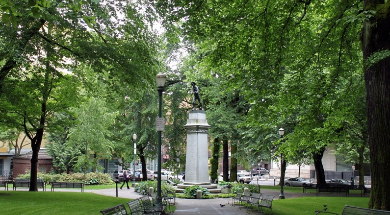 The soldier's monument at Lownsdale Square in Portland Oregon